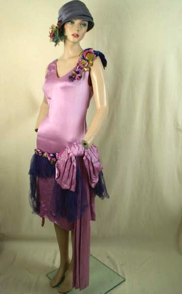 Beautiful Satin 1920s Fashion Party Dress